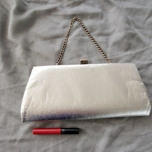 Vintage metallic silver hand bag clutch